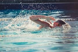 swimming-821622__180[1]